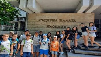 Ученици от Стара Загора станаха съдии за ден в Пловдив СНИМКИ