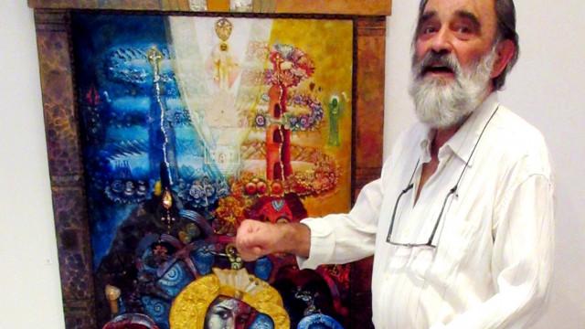 Вълчан Петров изписа божи храм със син, снаха и внучка - 0