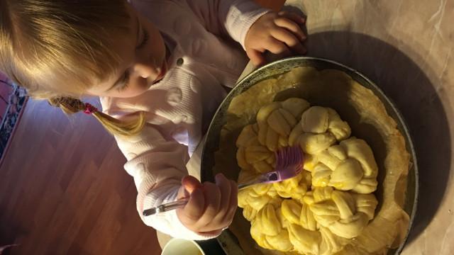 С деца в кухнята: Подгответе се за бъркотия, но пък ще преборите злоядството - 1