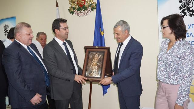 Минко Ангелов посрещна делегация от Мосул