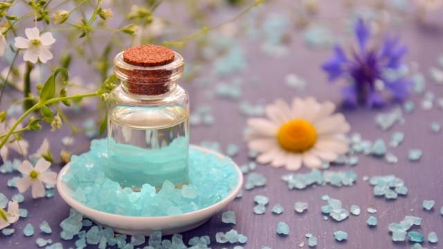 Какво ще се случи, ако сложите оцет и сол на пода в дома си