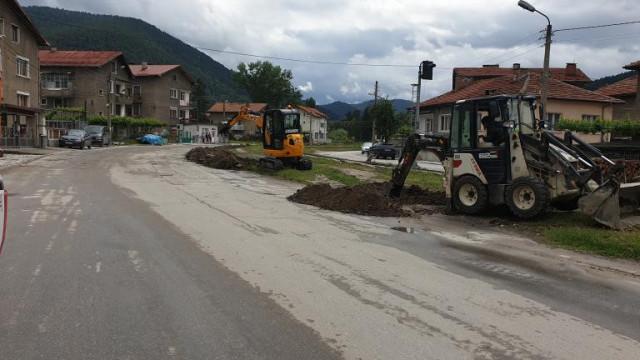 26 улици ремонтират във Велинград през тази година