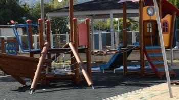 Ремонтираха 11 детски площадки в Асеновградско