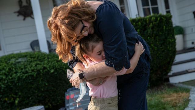 Защо е важно да прегръщаме децата си