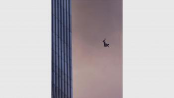 Най-зловещите кадри от 11 септември, коиторазтърсиха света СНИМКИ