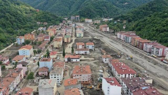 15 души все още са в неизвестност след наводненията в Турция