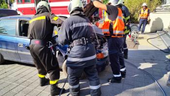 250-килограмова жена търси начин да премахне тумор, пожарникари я носиха до болницата