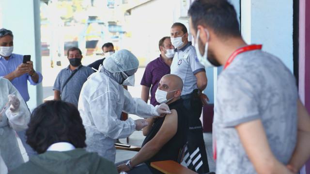 Всеки втори в Турция е получил 2 дози COVID ваксина