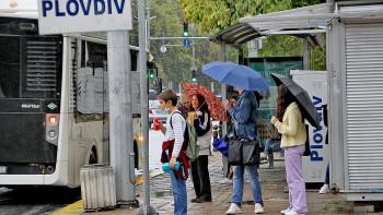 Превозвачите в Пловдив свиха знамената, чакат пари от държавата