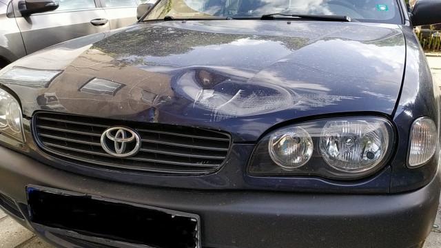 Бус за дограма се заби в паркирана кола в Кючука, потърпевшият: Четвъртък е проклет ден!
