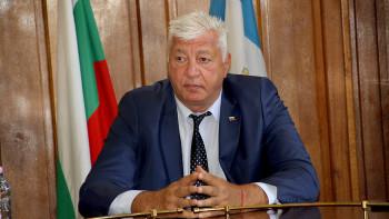 Здравко Димитров вика превозвачите на разговор след трус в общината