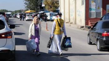 Шопинг туристи: Българи ударно пазаруват в Одрин, зарзават и анцузи - най-търсените стоки