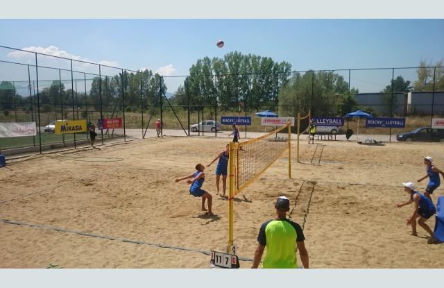 Пловдивски фурор на плажен волейбол