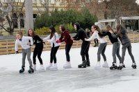 Няма сняг, но има лед - на пързалката