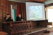 Сопот бди за сечта в Боровата си гора