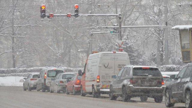 Сняг и поледици от утре. Вижте прогнозата за времето